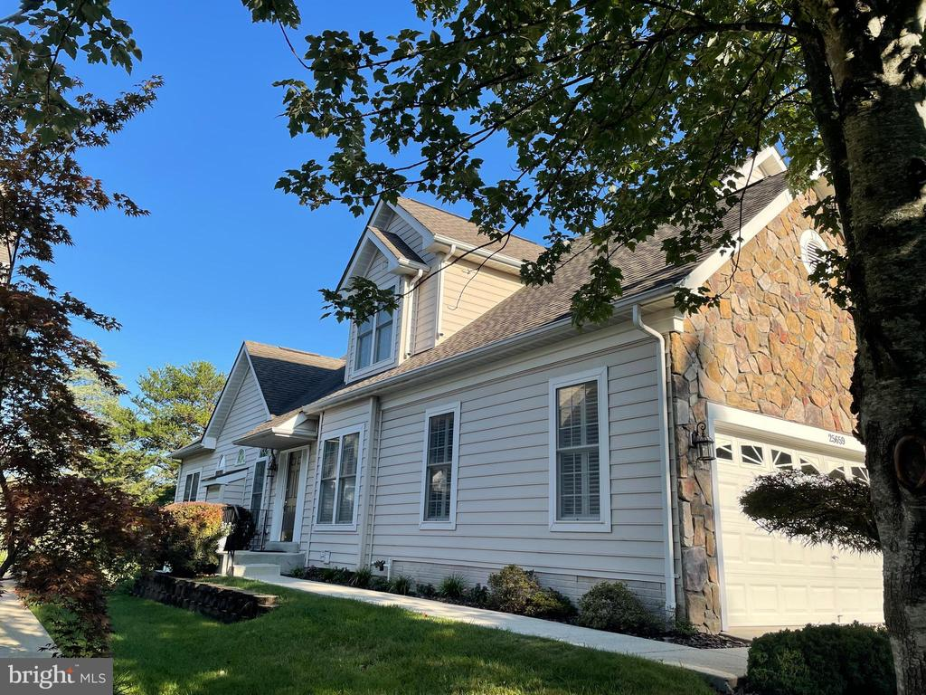 - 25659 TREMAINE TER, CHANTILLY