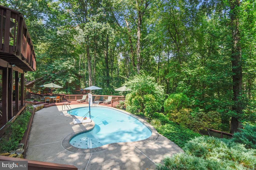 View of lower level decking and pool - view 4 - 10722 CROSS SCHOOL RD, RESTON