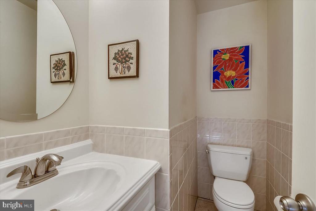 Main level half bathroom - 10722 CROSS SCHOOL RD, RESTON