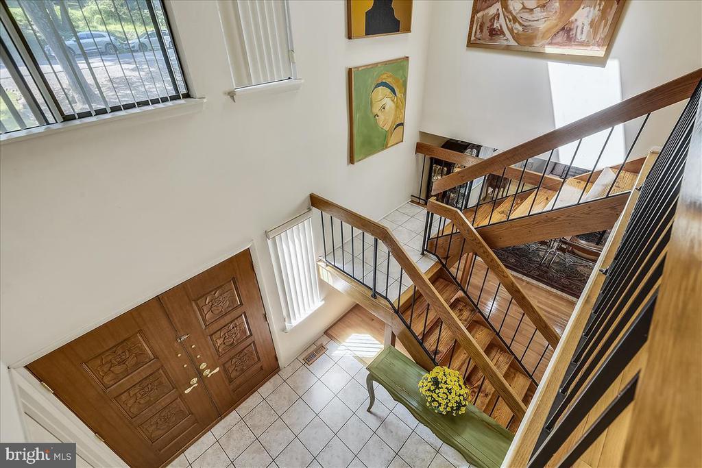 View of open 2-story entry - 10722 CROSS SCHOOL RD, RESTON