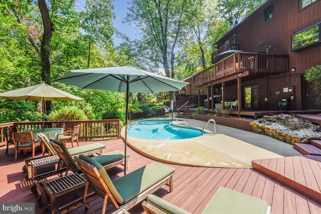 View of lower level decking and pool - view 2 - 10722 CROSS SCHOOL RD, RESTON