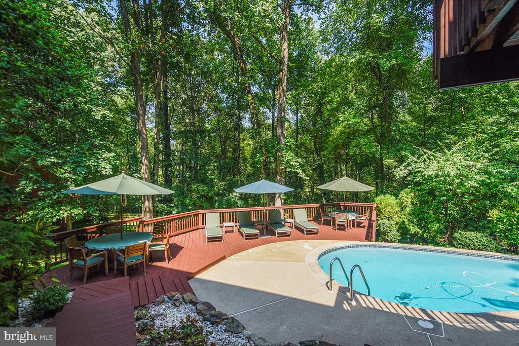 View of lower level decking and pool - view 3 - 10722 CROSS SCHOOL RD, RESTON