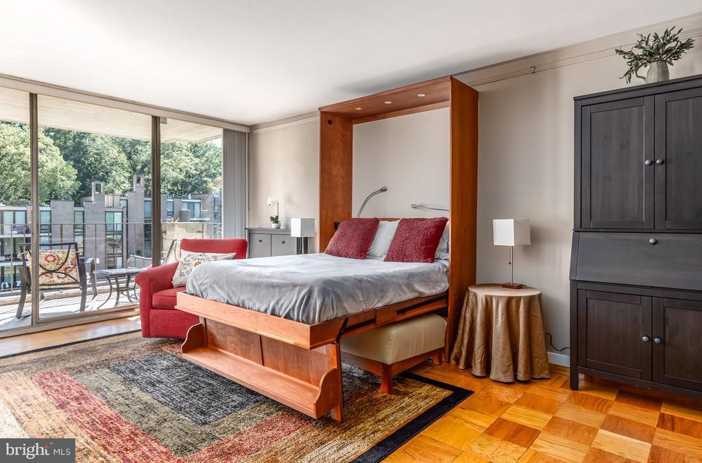 AWESOME Murphy bed OPEN! - 11400 WASHINGTON PLZ W #201, RESTON