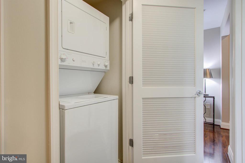 Washer/Dryer in unit - 525 N FAYETTE ST #222, ALEXANDRIA