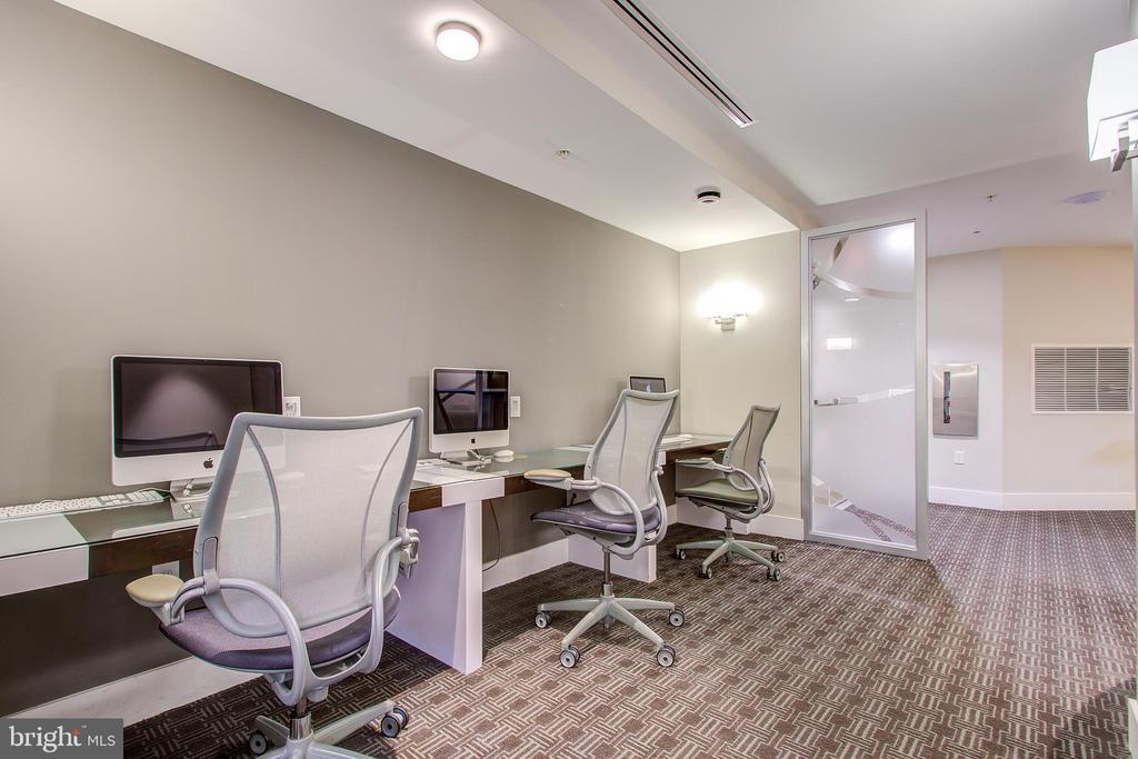 Business center - 525 N FAYETTE ST #222, ALEXANDRIA