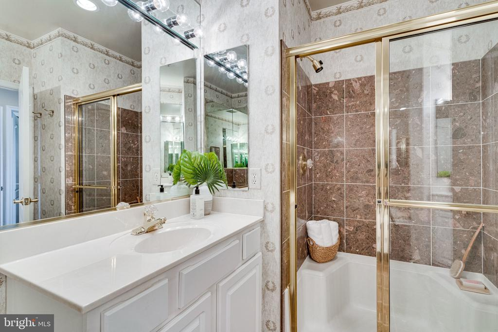 ...and generous shower stall. - 901 N MONROE ST #1501, ARLINGTON