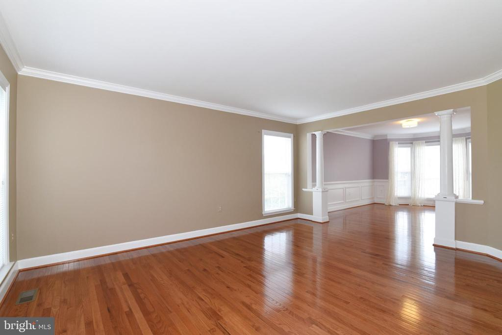 Living Room/Dining Room - 21320 COMUS CT, ASHBURN