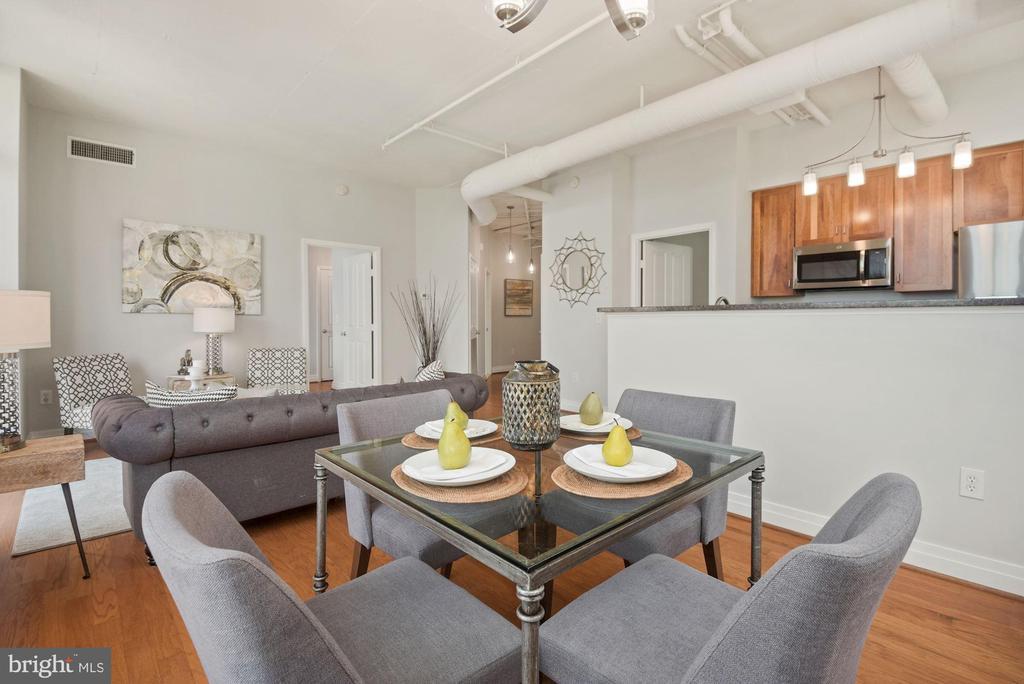 Open floor plan - 1205 N GARFIELD ST #408, ARLINGTON