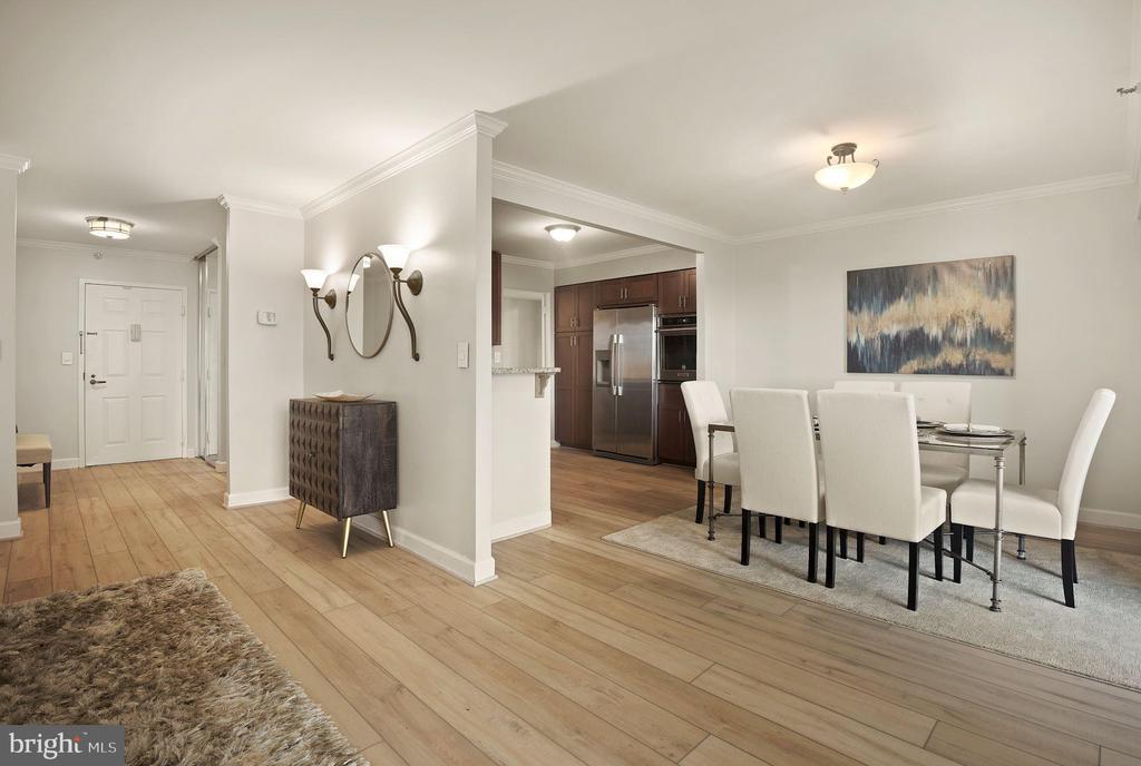 Living area - 1600 N OAK ST #310, ARLINGTON