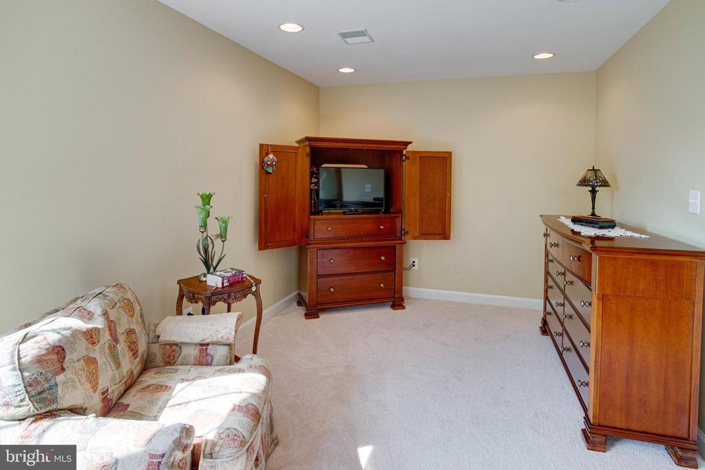 Master Sitting Area - 25891 MCKINZIE LN, CHANTILLY