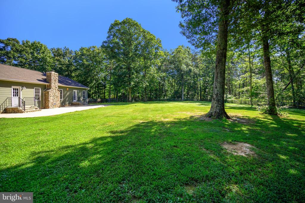 Surrounded by trees and nature - 12812 ORANGE PLANK RD, LOCUST GROVE
