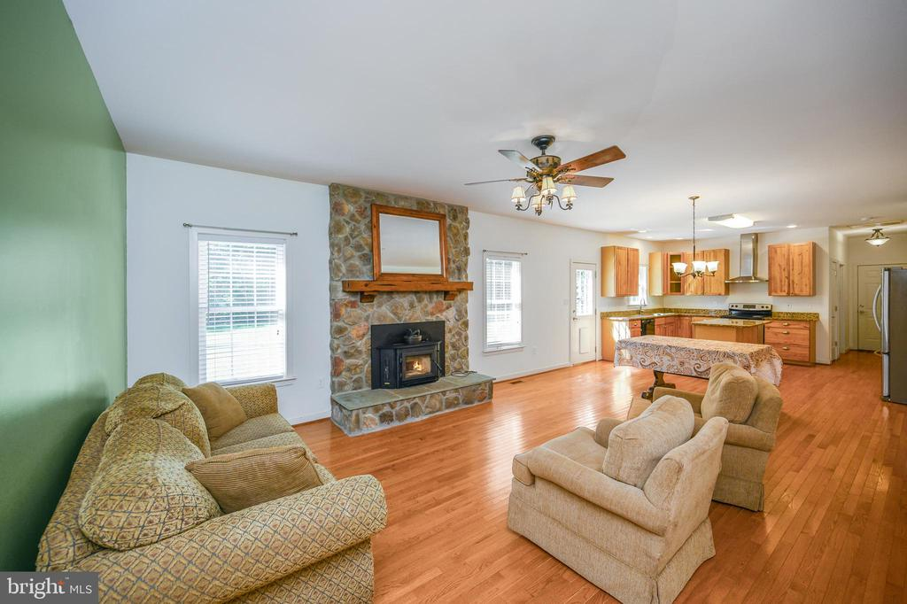 Gorgeous  floor to ceiling stone fireplace - 12812 ORANGE PLANK RD, LOCUST GROVE