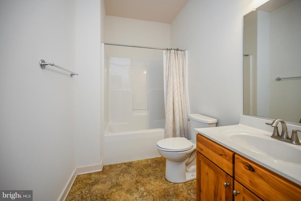 Full bath main level - 12812 ORANGE PLANK RD, LOCUST GROVE