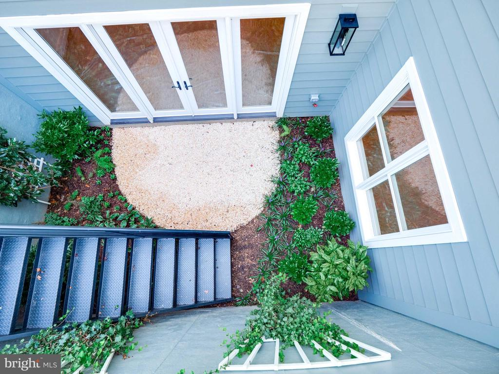 View from the top...garden entry to lower level - 635 FREDERICK ST SW, VIENNA