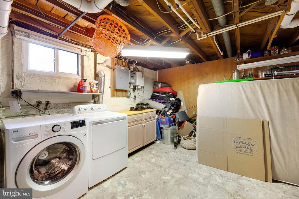 Laundry Room/ Workshop - 4006 SPRUELL DR, KENSINGTON