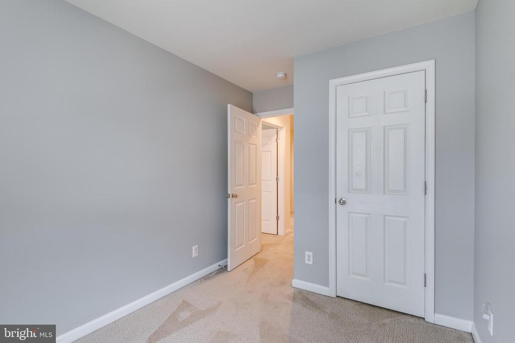Upper Level 2nd Bedroom - 42660 NEW DAWN TER, BRAMBLETON