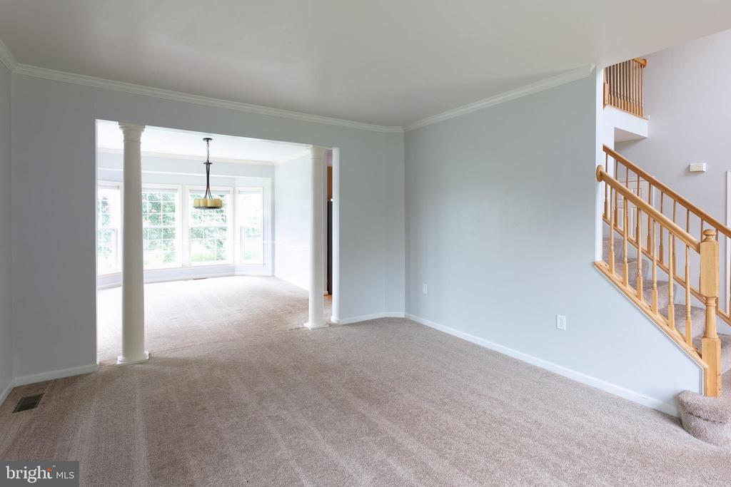 Living Room - 348 RUDDER ROAD, SHEPHERDSTOWN