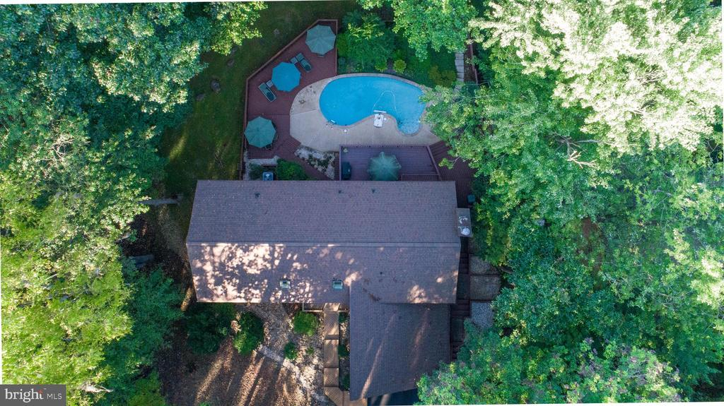 Aerial view from above - 10722 CROSS SCHOOL RD, RESTON