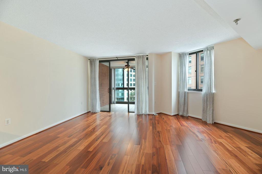 Living Room Boasts Beautiful Brazilian Hardwoods! - 1001 N RANDOLPH ST #604, ARLINGTON