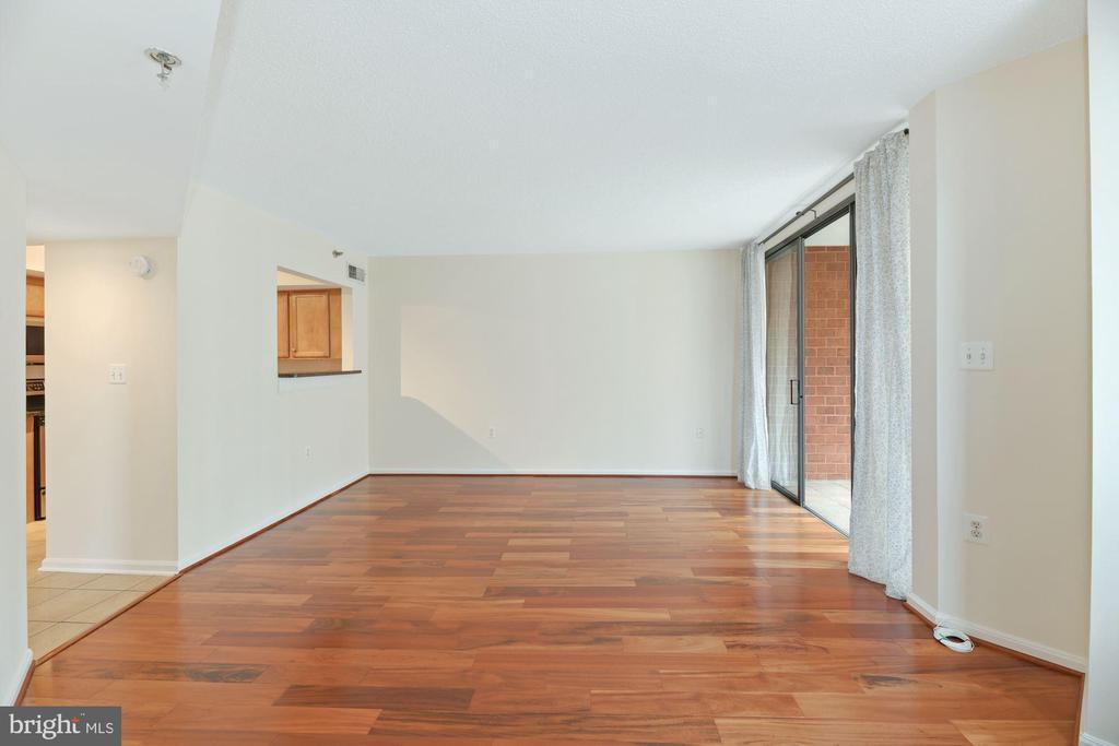 Living Room - Freshly Painted Top-to-Bottom! - 1001 N RANDOLPH ST #604, ARLINGTON