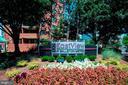 EastView has Beautifully Maintained Gardens! - 1001 N RANDOLPH ST #604, ARLINGTON