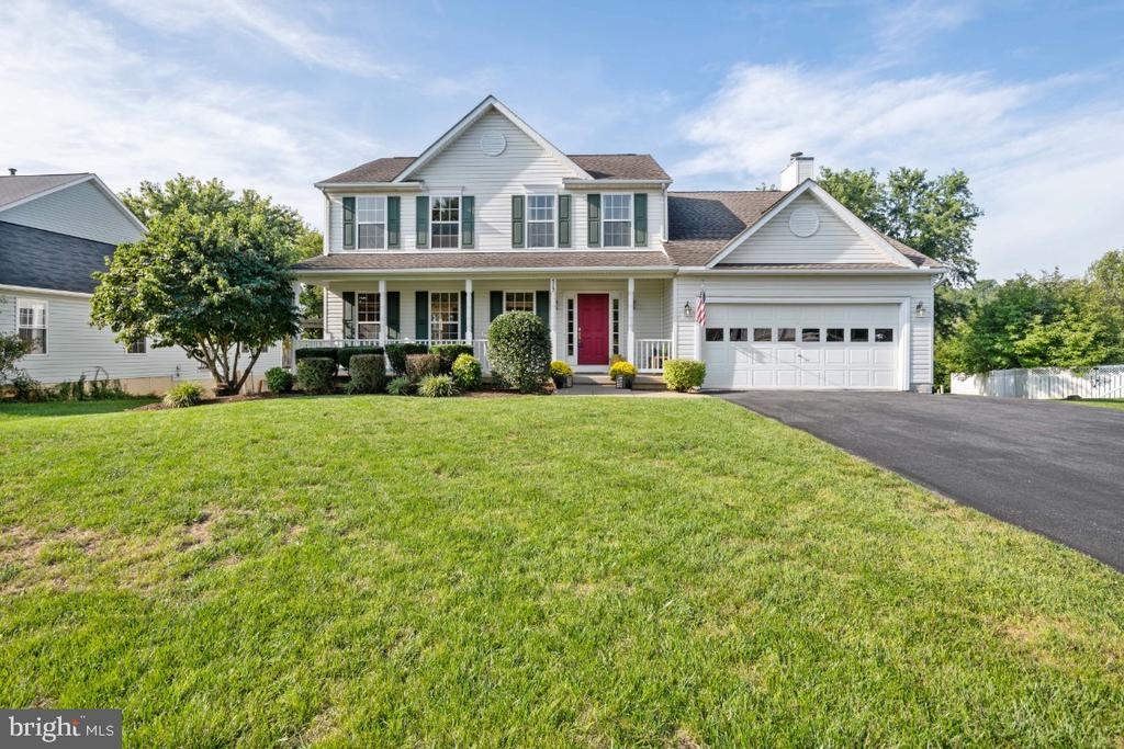 Main Exterior Front View - 513 EWELL CT, BERRYVILLE