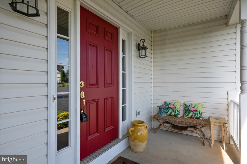 Please Come In! - 513 EWELL CT, BERRYVILLE