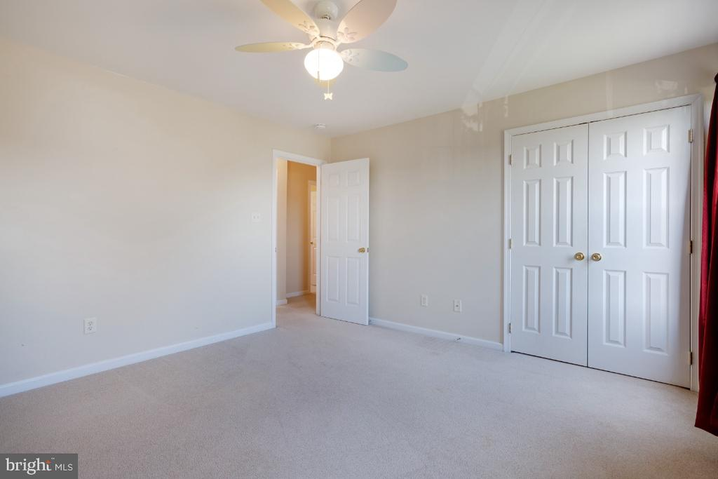 Offers a Double Closet! - 513 EWELL CT, BERRYVILLE