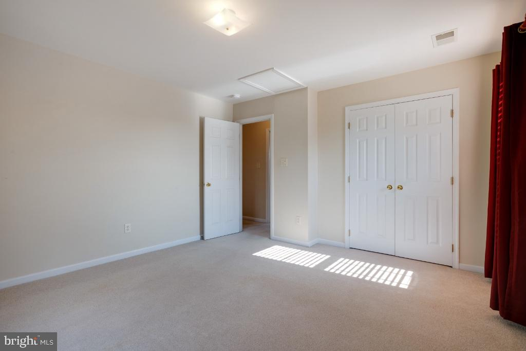 Also Offers A Double Closet. - 513 EWELL CT, BERRYVILLE