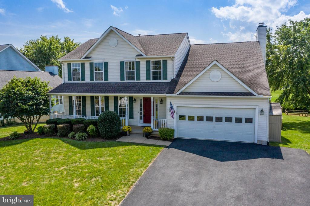 Located on A Quiet Cul-De-Sac - 513 EWELL CT, BERRYVILLE