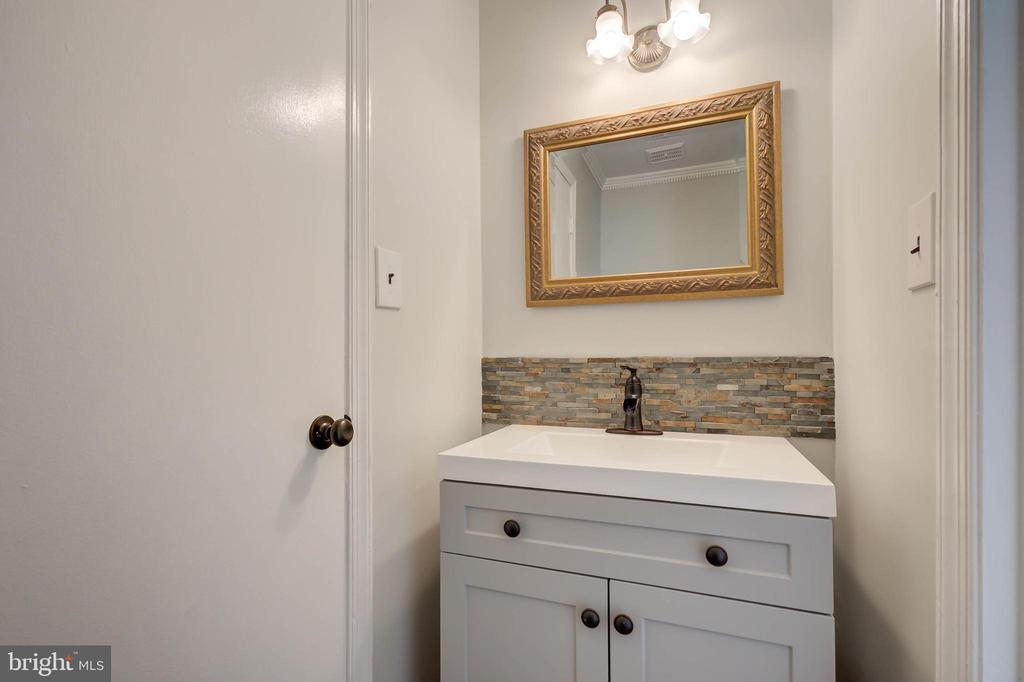 Updated powder room - 13832 TURNMORE RD, SILVER SPRING