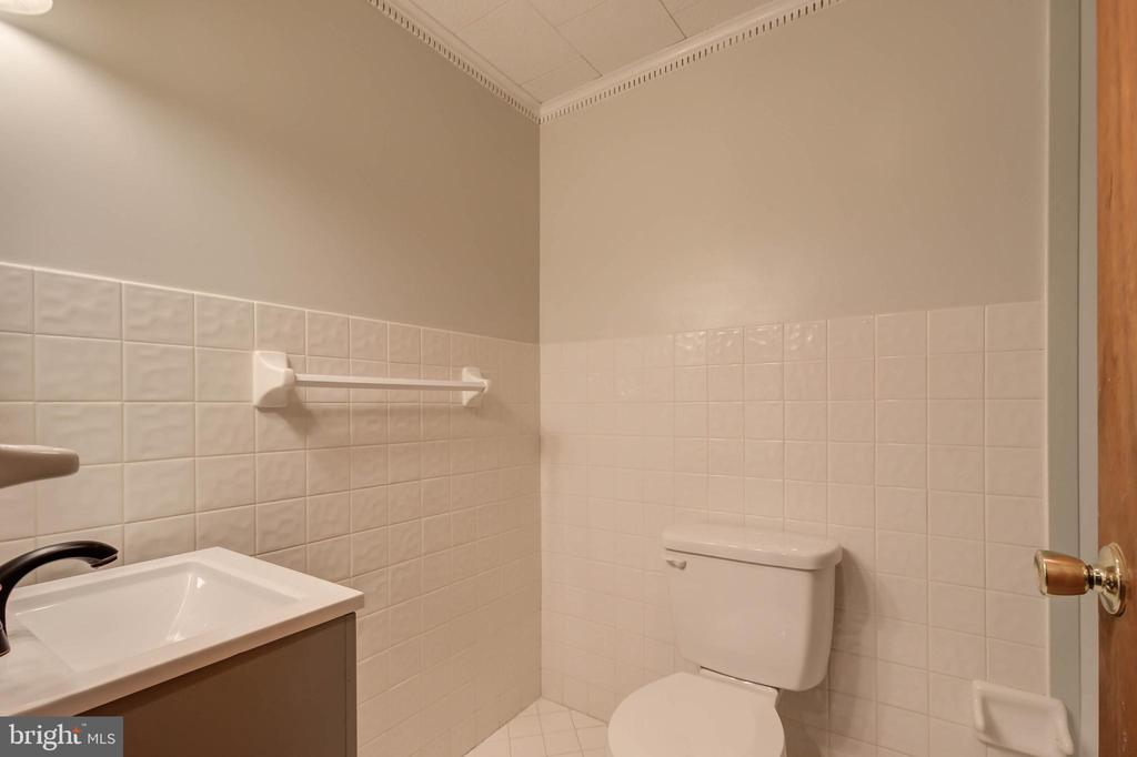 Full bath in the basement - 13832 TURNMORE RD, SILVER SPRING