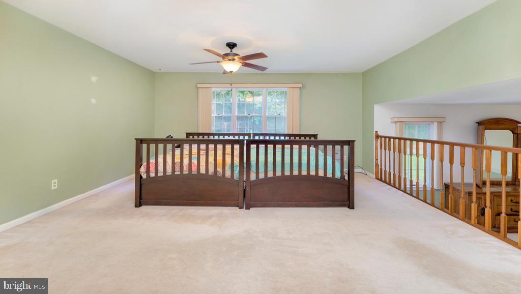 Large Primary Bedroom w/Ceiling Fan - 2056 FARRAGUT DR, STAFFORD