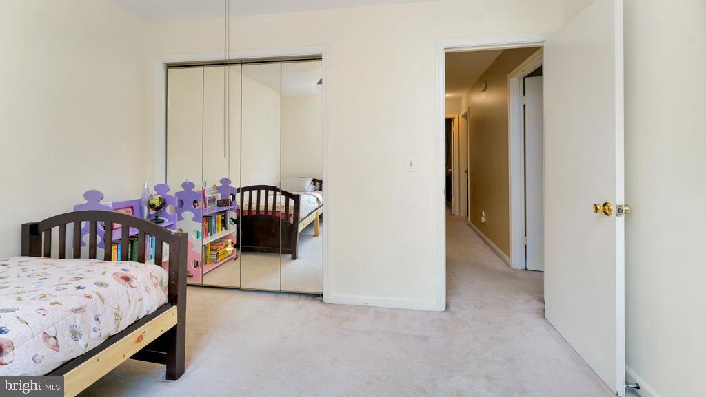 BR4 w/Double Door Closet - 2056 FARRAGUT DR, STAFFORD
