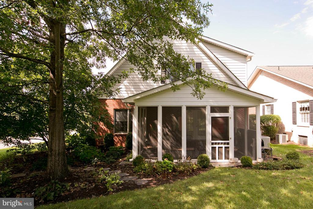another view of exterior area of screened porch - 1432 RAMSEUR LN, WINCHESTER