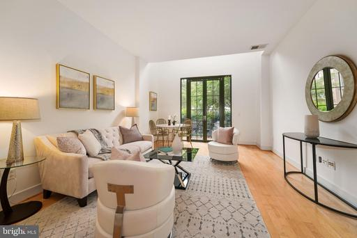 910 M ST NW #113