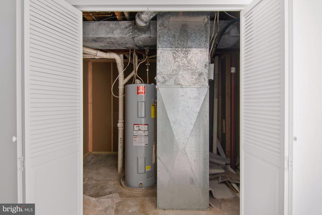 Utilities and storage - 205 SAIL CV, STAFFORD