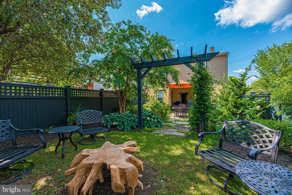 Backyard - 24 S COURT, THRU 26 ST, FREDERICK