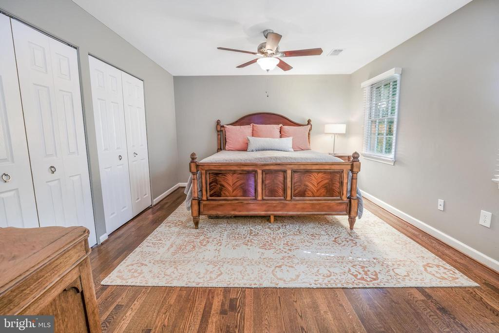 Room for a large bedroom suite and two closets! - 4711 BRIAR PATCH LN, FAIRFAX