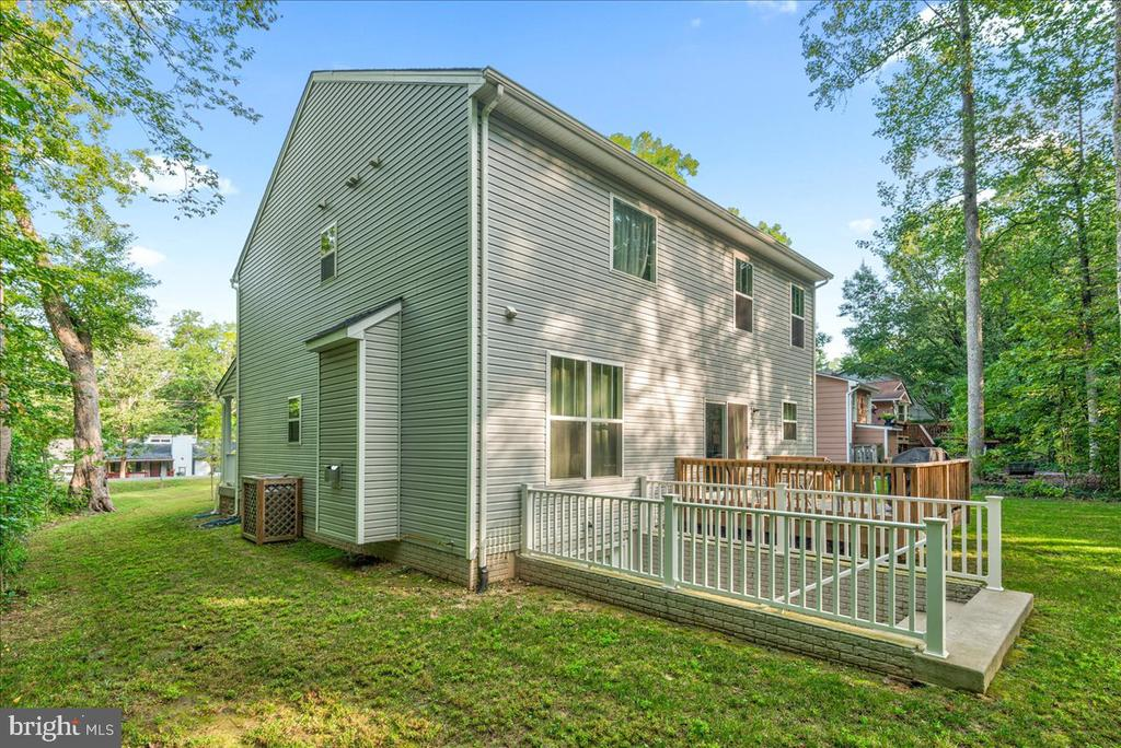 - 4304 LAKEVIEW PKWY, LOCUST GROVE