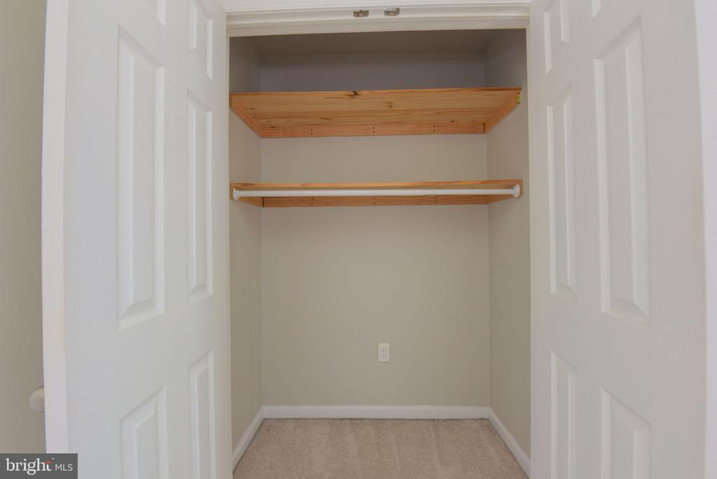 closet - 117 COLBURN DR, MANASSAS PARK