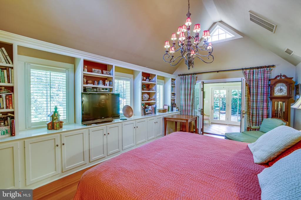Open double doors out onto the sunroom - 1501 CAROLINE ST, FREDERICKSBURG