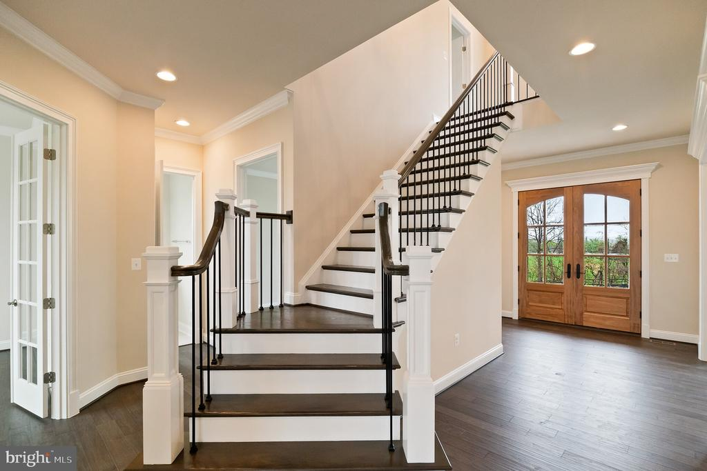 Dramatic reverse staircase - opt. features shown - PURCELLVILLE RD, PURCELLVILLE