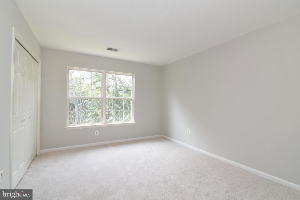 Bedroom 3 new carpet & paint - 43847 AMITY PL, ASHBURN