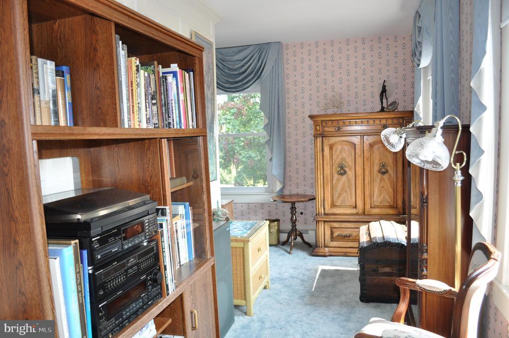 Primary suite sitting room - 11690 FREDERICK RD, ELLICOTT CITY