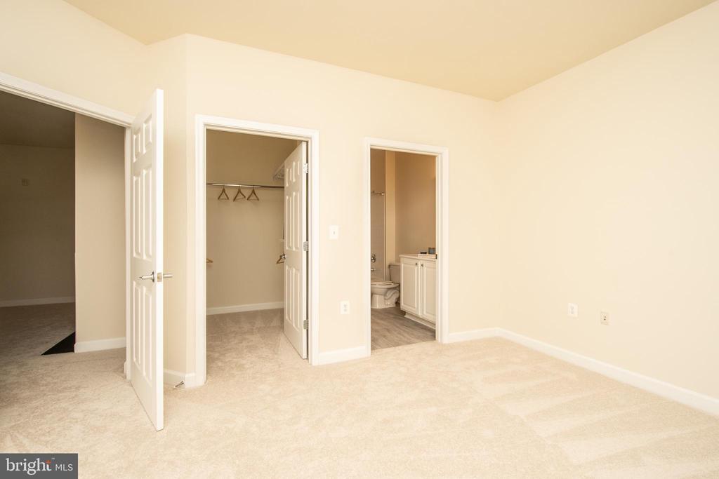Primary bedroom - 42531 ROCKROSE SQUARE #102, ASHBURN