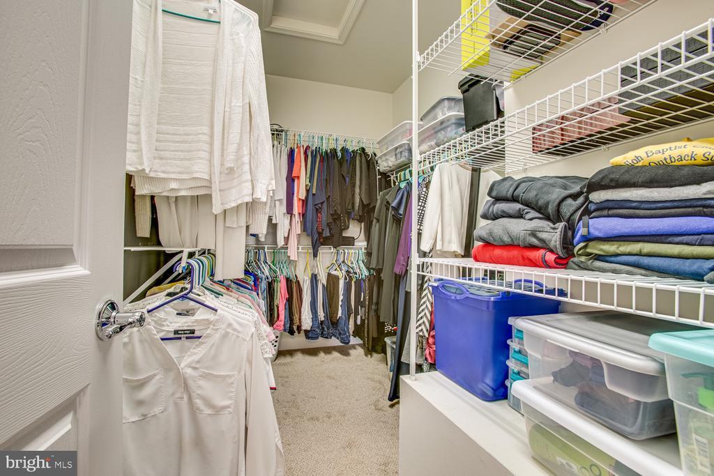 Primary bedroom walk-in closet - 68 TABLE BLUFF DR, FREDERICKSBURG