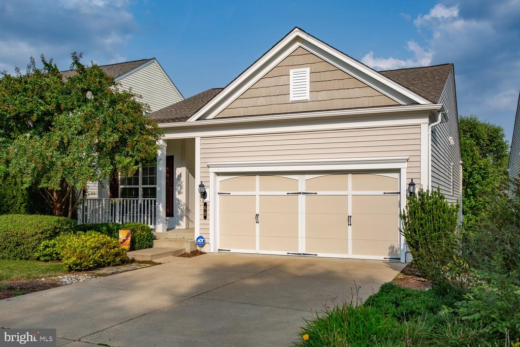 Ample parking space - 68 TABLE BLUFF DR, FREDERICKSBURG