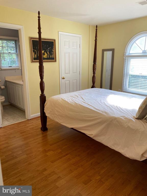 Bedroom #2 has the second bath and walk-in closet - 112 WESTWICK CT #6, STERLING