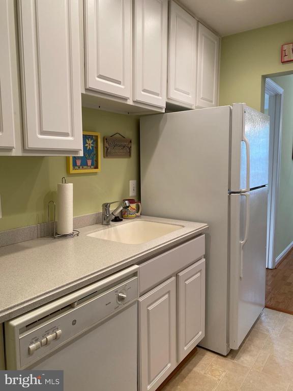 Kitchen - 112 WESTWICK CT #6, STERLING